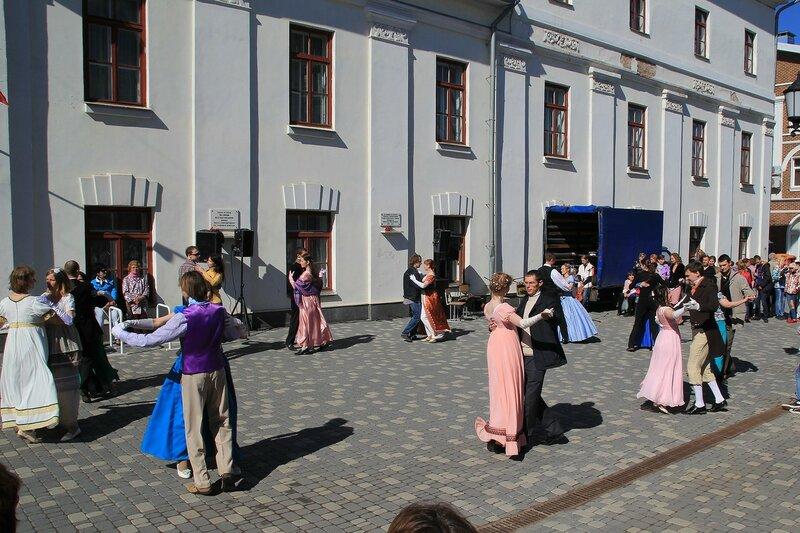 Вальс - «Вятский Арбат» в день города-2015 на пешеходной улице Спасской