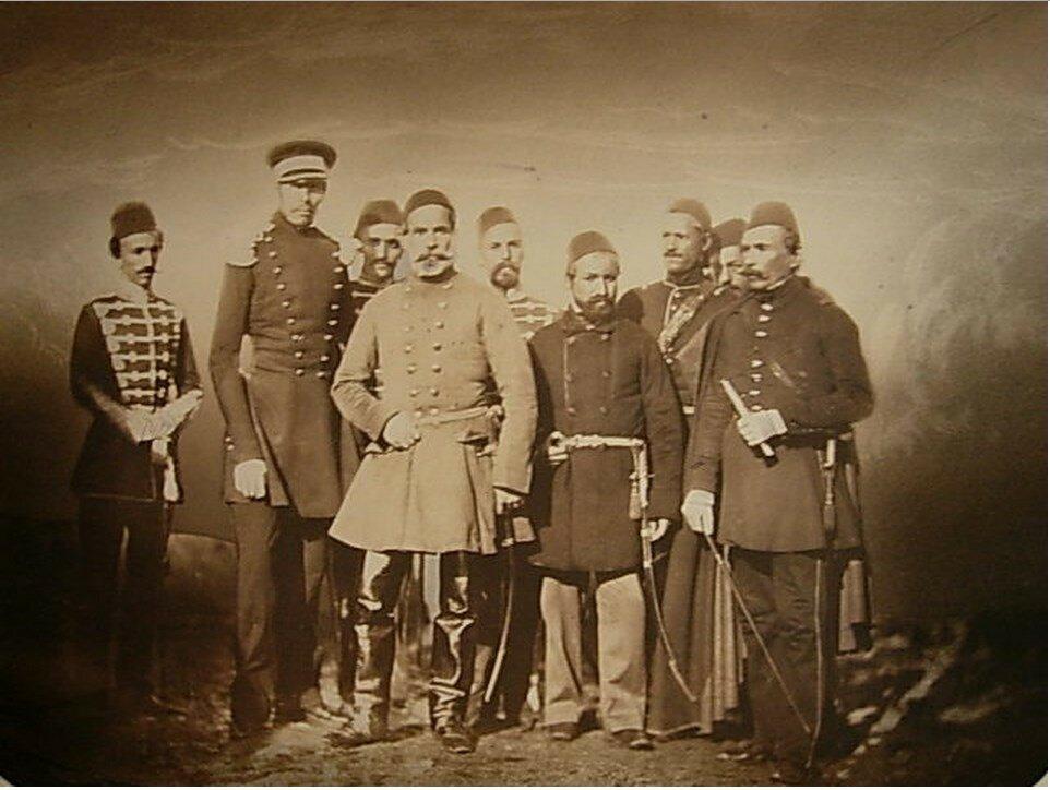 Омер Лютфи-паша (османский военачальник сербского происхождения) с адъютантом в военном лагере