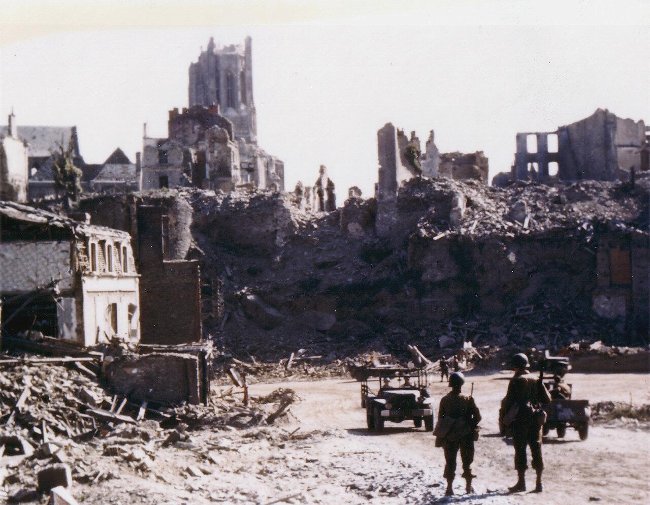 32. Сен-Ло в руинах, август 1944