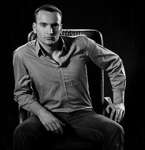 фотографии для портфолио мужчины. студийная фотосъемка от фотографа Кузьмина
