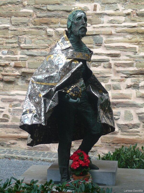 Статуя Карла Великого.