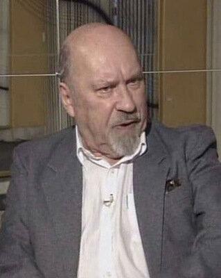 Ученик Григория Конского - актер, сценарист, заслуженный деятель искусств РФ, режиссер-постановщик знаменитого телесериала