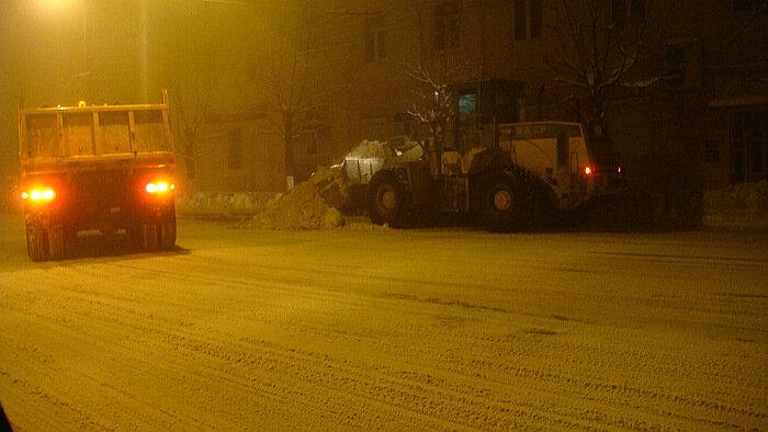 Владивосток, снег,снегоуборщик,грузовик