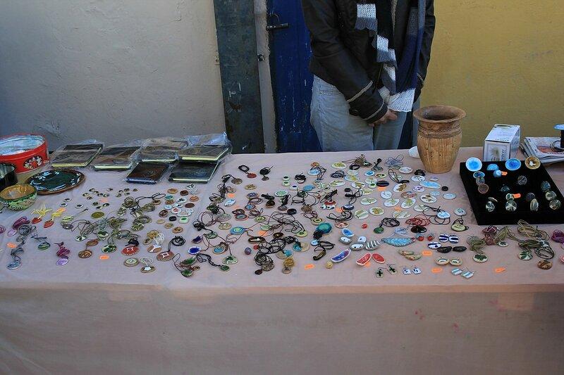 Лоток с украшениями - «Вятский Арбат» в день города-2015 на пешеходной улице Спасской