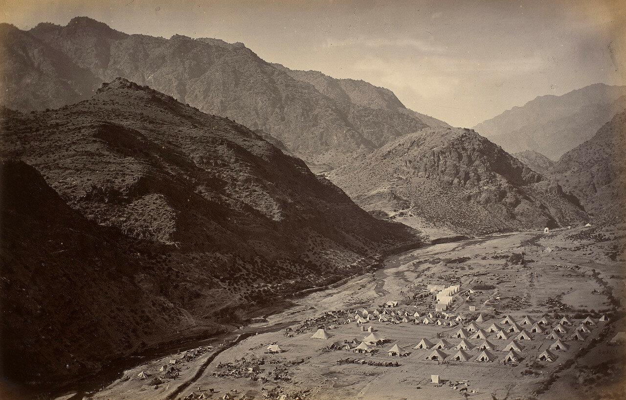 06. Британский военный лагерь неподалеку от крепости Али Масджид