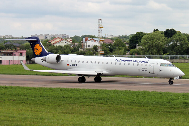 Canadair CL-600-2C10 Regional Jet CRJ-701ER D-ACPA