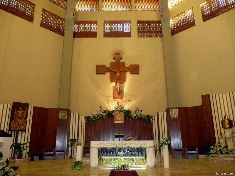 Алтарь церкви Maria SS Immacolata.