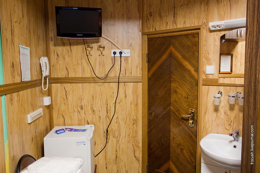 Двухместная ярусная каюта с одним дополнительным местом «Б3н» №79 на нижней палубе теплохода «Василий Чапаев»