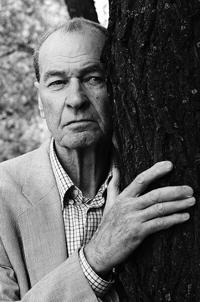 Владимир Мотыль: «Ванга сказала мне: когда тебе очень плохо – обними дерево». // Фото Андрей Семашко