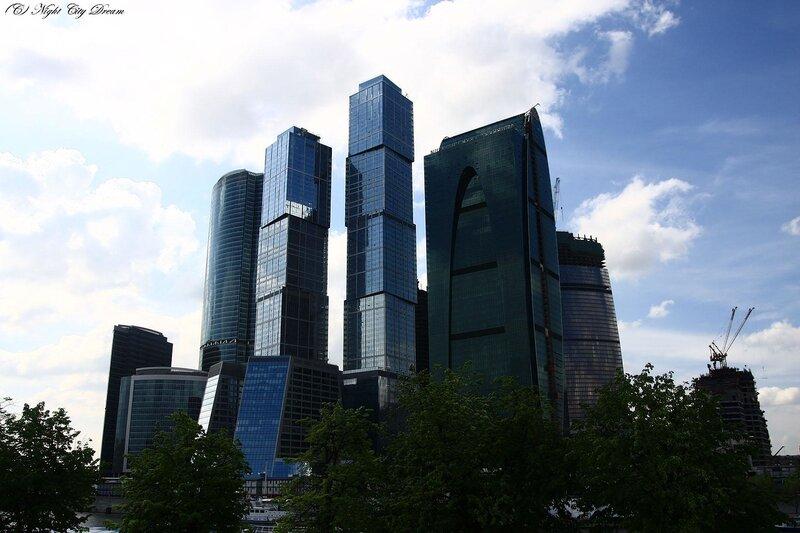 http://img-fotki.yandex.ru/get/3909/night-city-dream.17/0_27a87_1d152751_XL.jpg