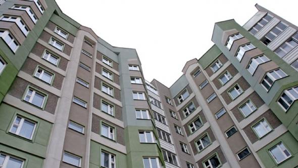 В Минске 24-летний парень сорвался с балкона 12-го этажа