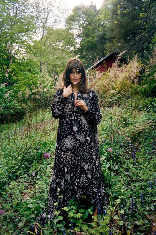 Helena-Christensen-Editorial02-800x1444.jpg
