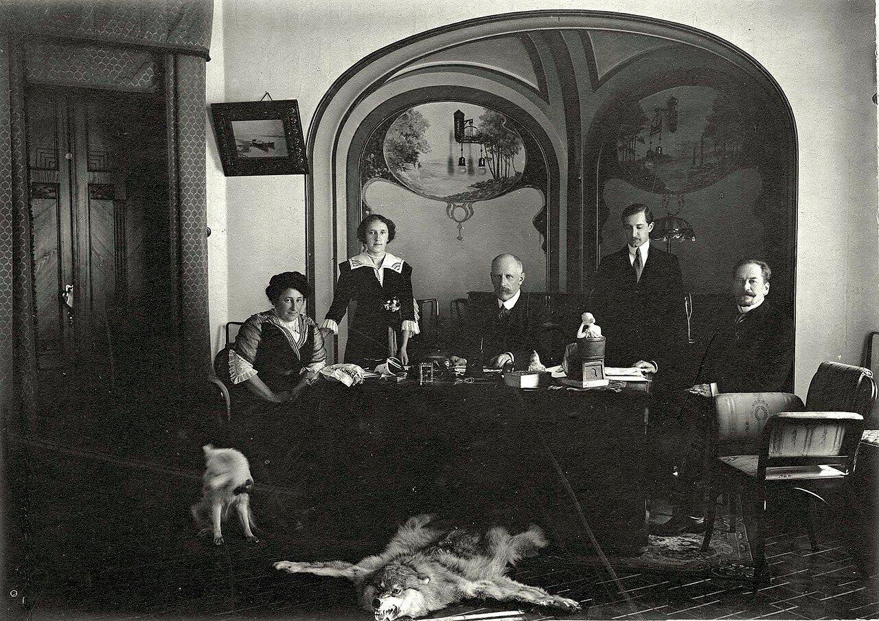 Фритьоф Нансен в угловой гостиной дома В.Н. Гадалово