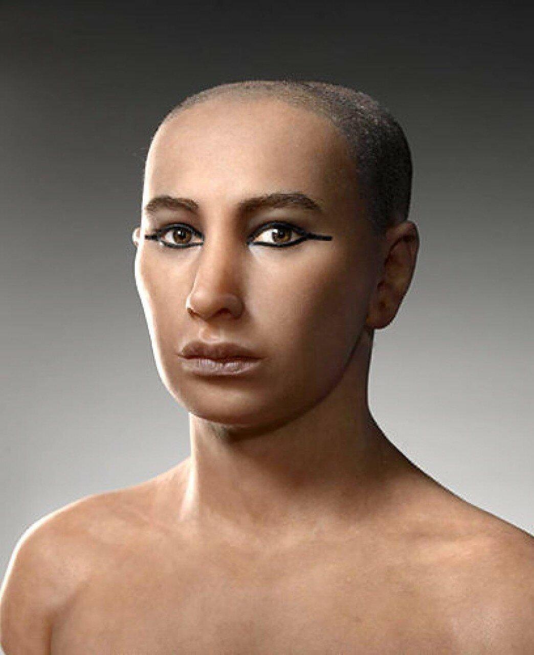 Смоделированный образ фараона Тутанхамона, созданный французской командой на основе реконструкций лица, сделанных с помощью компьютерного сканирования мумии фараона. 10 мая 2005