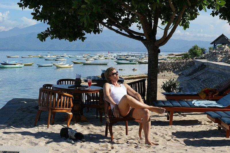 Плющинг с арбузным шейком в отеле Puri Nusa, набережная Jungut Batu, остров Nusa Lembongan