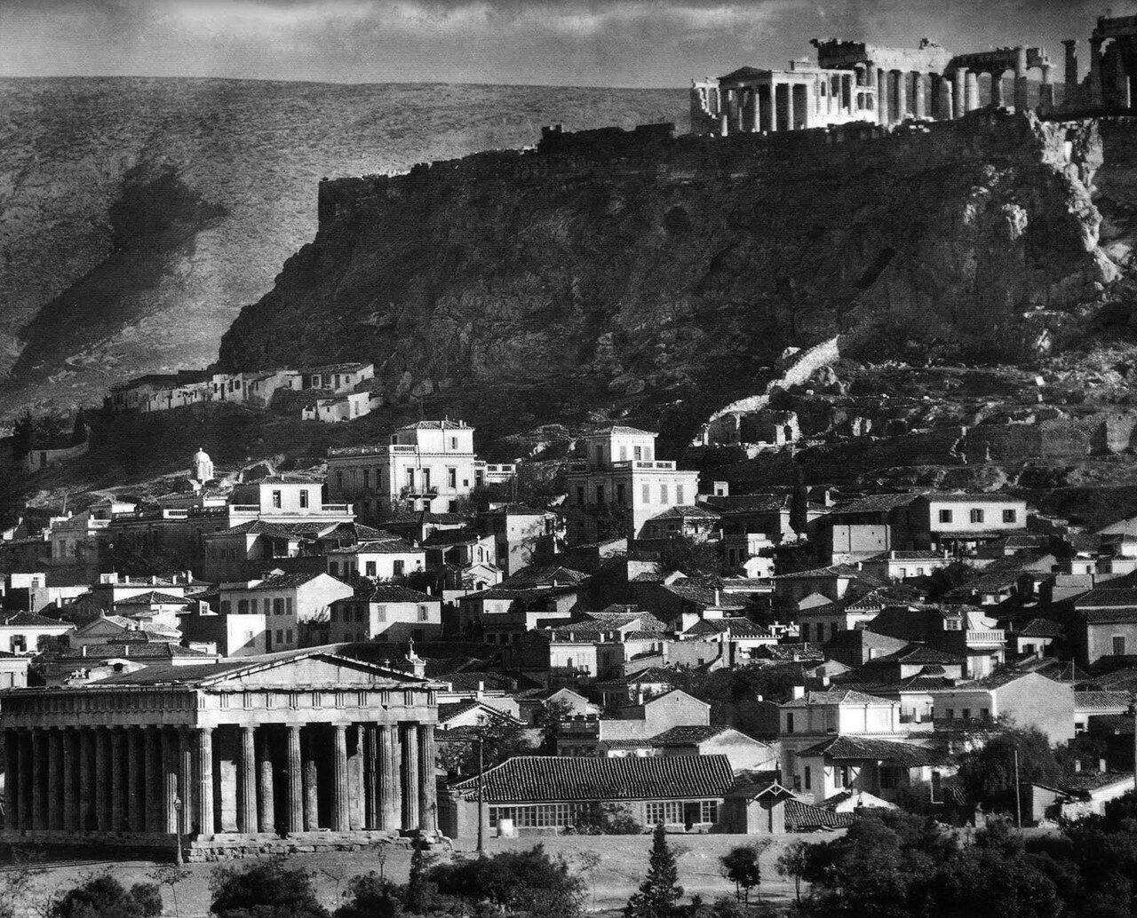 1920. Вид на Акрополь из Тиссио