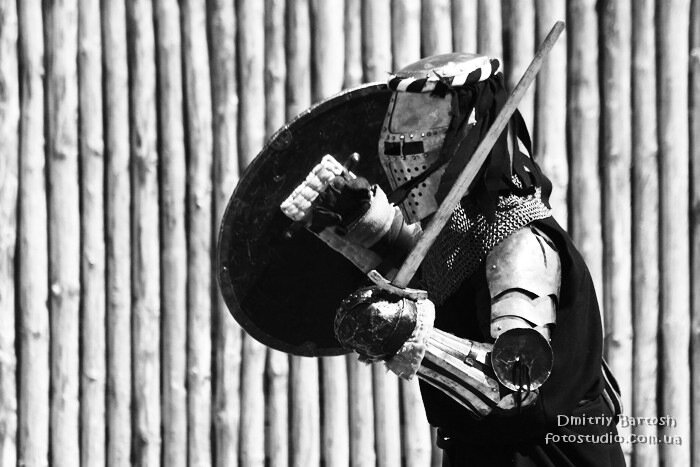 Photographer Dmitriy Bartosh - Historical fencing crusaders