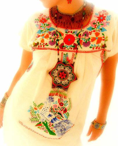 Мексиканская национальная одежда очень яркая по цветовой гамме и просто...