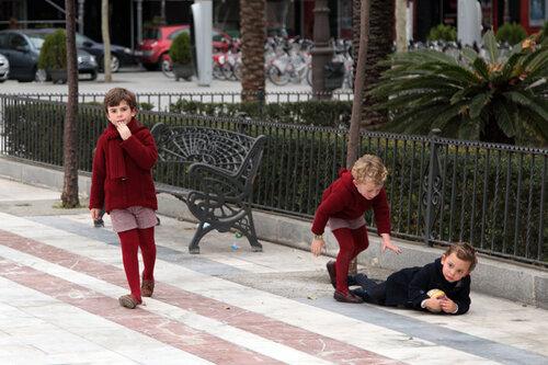 Детки на площади