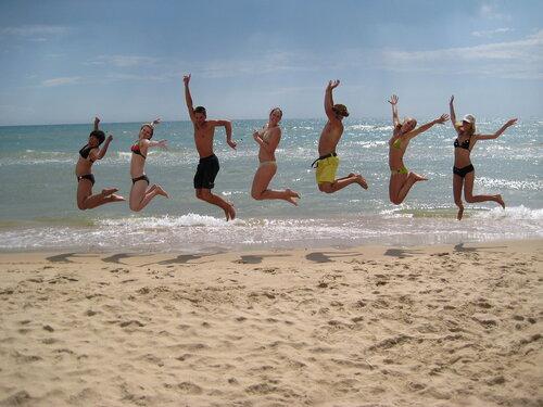 Предлагаем недорогой, но качественный отдых на Азовском море без посредников.  Мы приглашаем Вас провести свой отпуск...