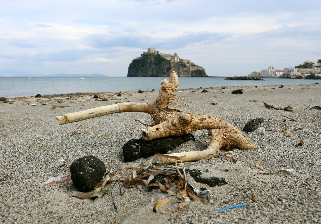 Искья-Потро. Рыбацкий  пляж (Spiaggia dei Pescatori)