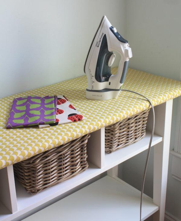 Гладильная доска занимает кучу места, особенно ееопора. Замените еенавысокий узкий столик, аполк
