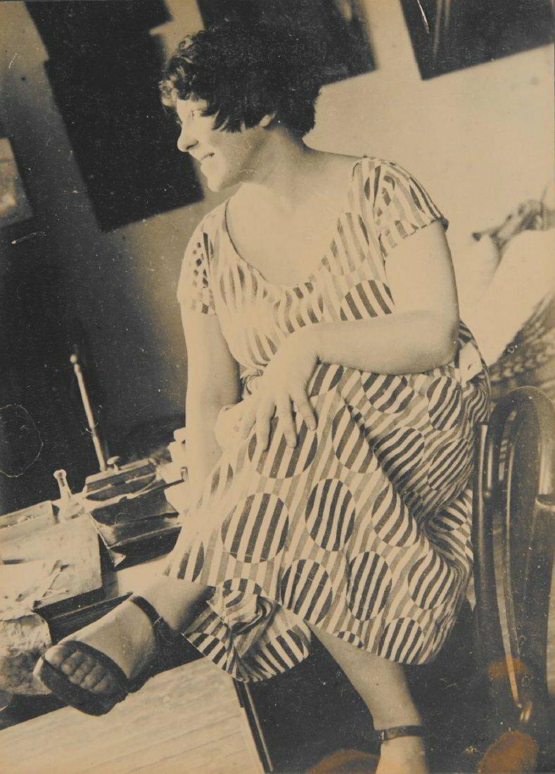 1924. Варвара Степанова в  фабричном платье, сделанном на основе ее дизайна