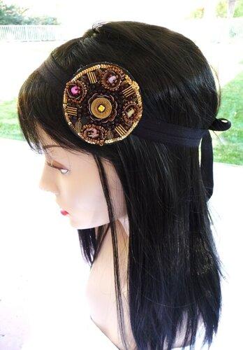 Красивые украшения для волос из бисера и паеток.