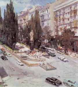 Возле памятника В.Ленину