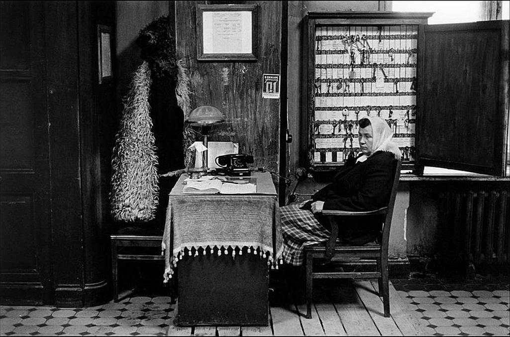 Общежитие или совсем дальняя гостиница, 1965, СССР, Манос Константин.