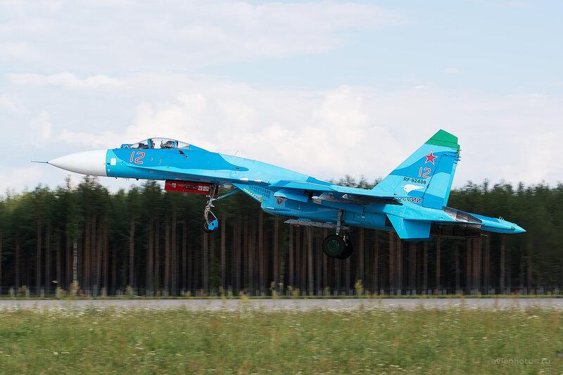 Сухой Су-27П (RF-92408 / 12 красный) D806434e