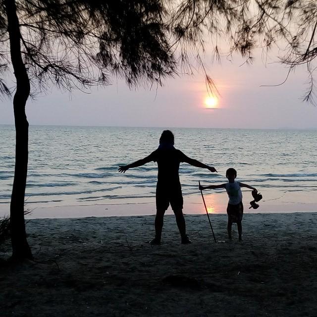 Закат в Камбодже.