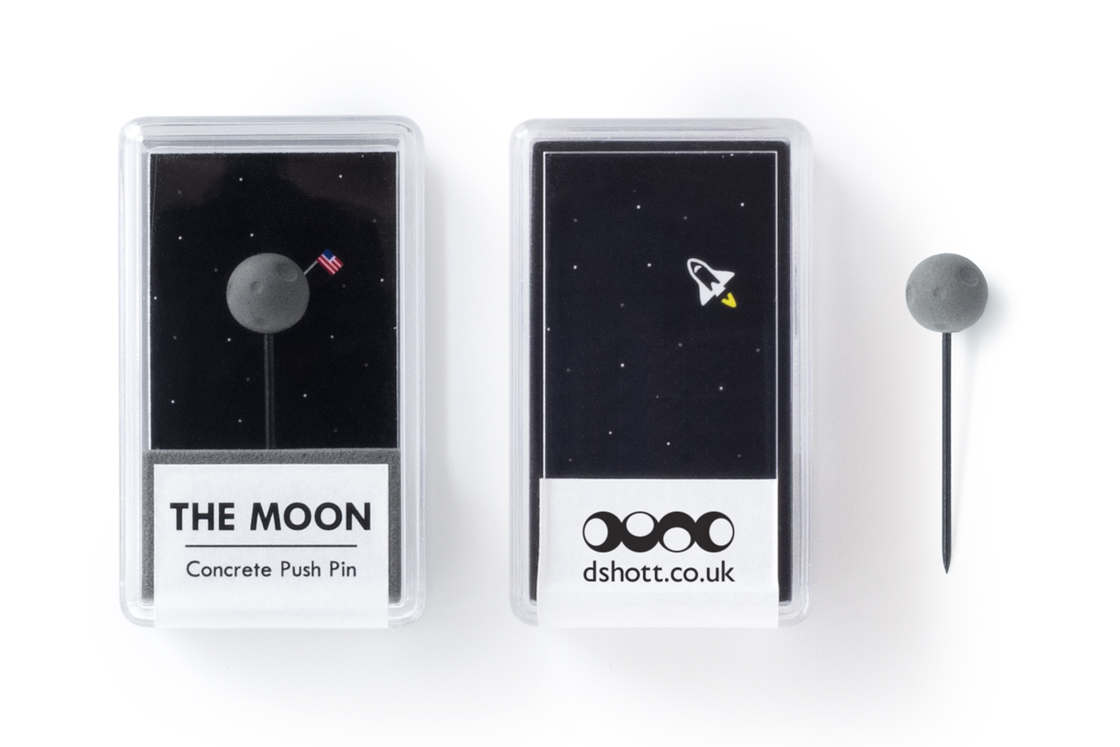 Planet Pins - Some adorable pins shaped as miniature planets
