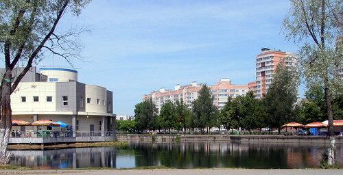 Дзержинский район отпразднует 33-й день рождения.