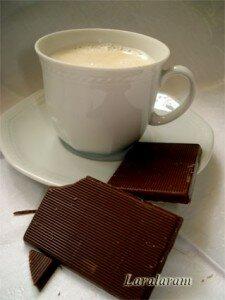 Белый кофе с карамелью - как пить