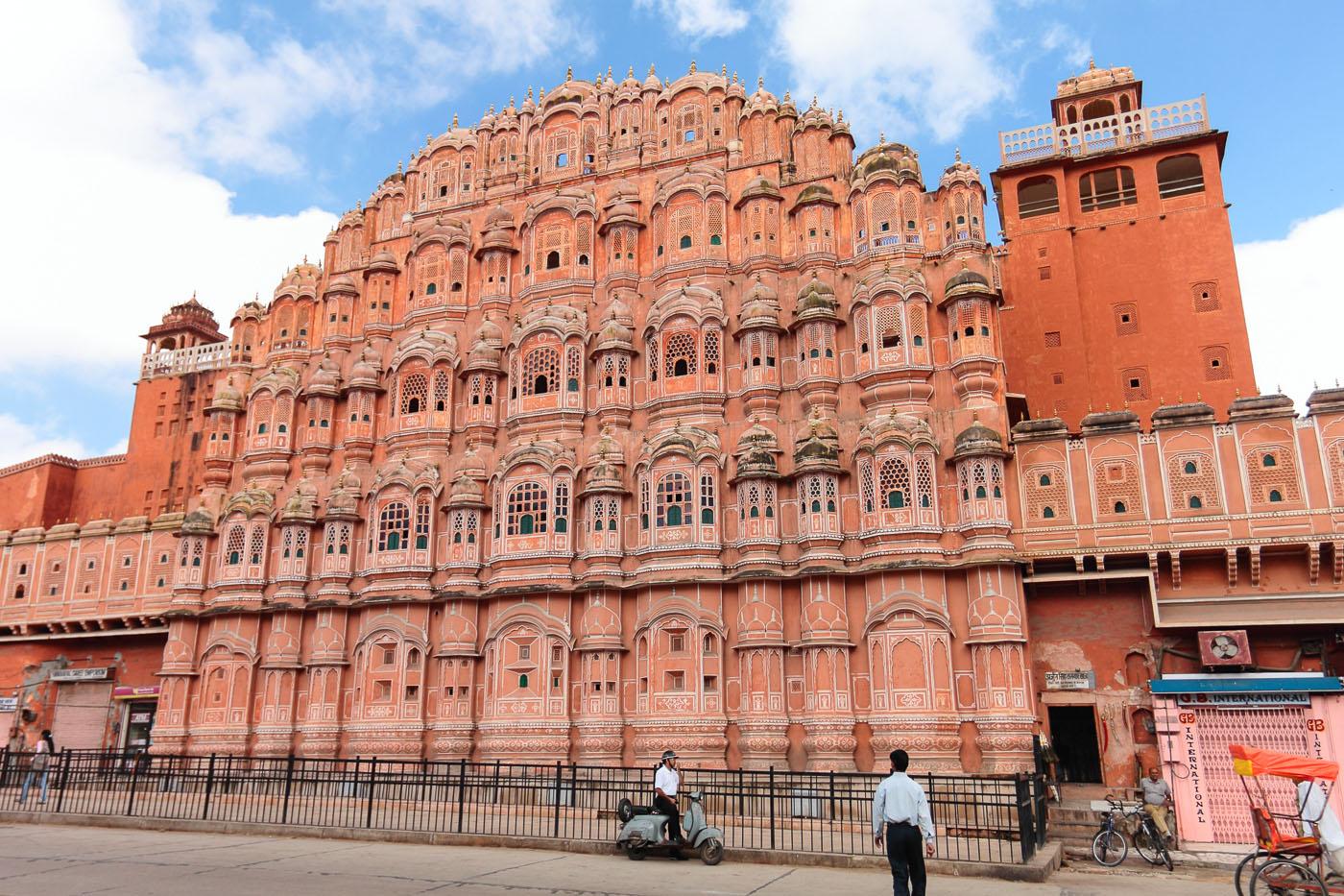 Фотография 5. Туры в Индию из Москвы. Экскурсии в Джайпуре. Дворец Хава-Махал