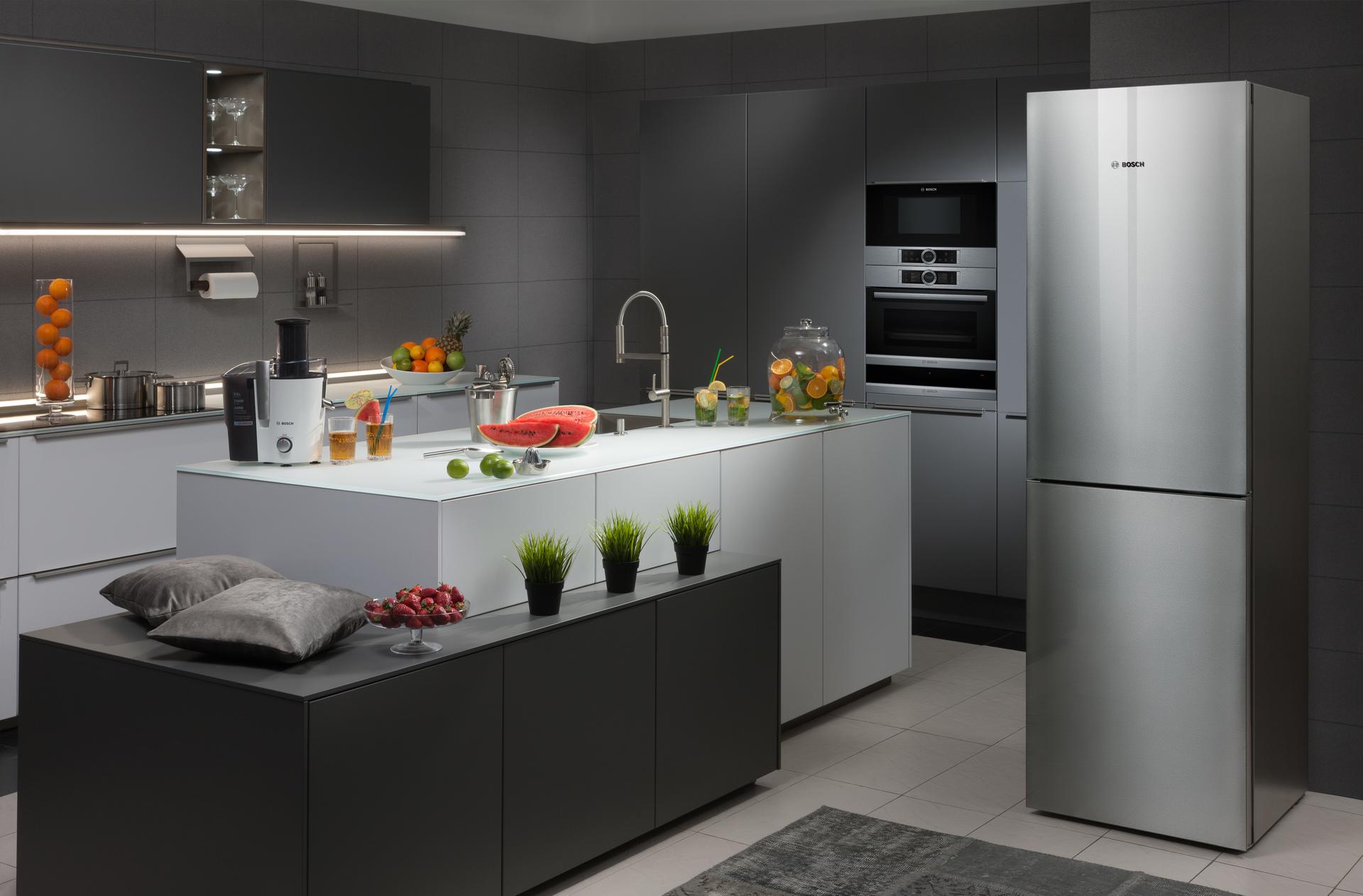 Холодильник из серебристого стекла - интернет-магазин бытовой техники Краснодар