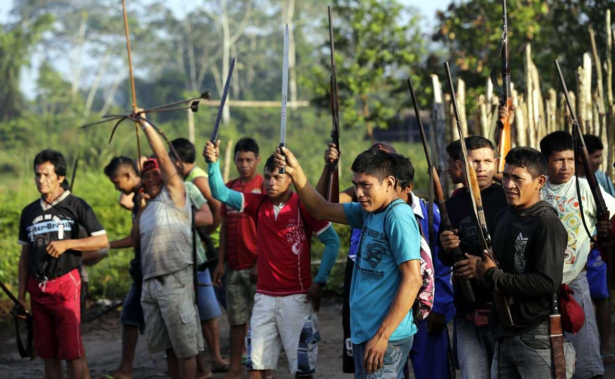 На общем сборе всех участников грандиозной охоты на незаконных рубщиков леса