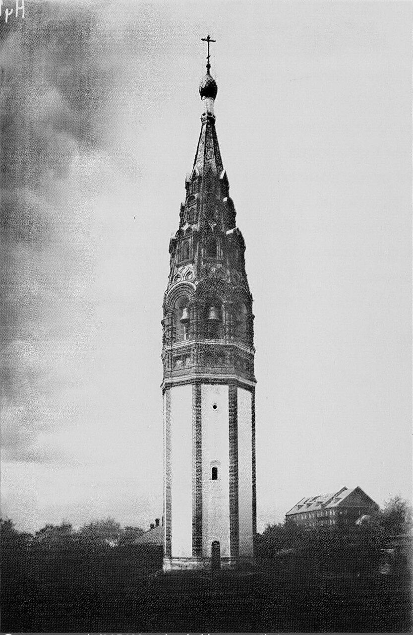 Колокольня церкови Иоанна Златоуста в Коровниках