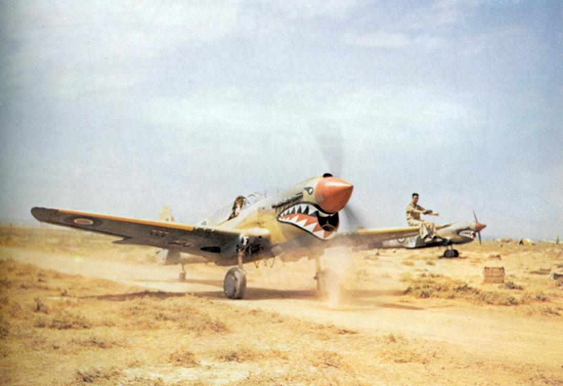 P-40KittyhawkDAF-MedenineTunisia1943.jpg