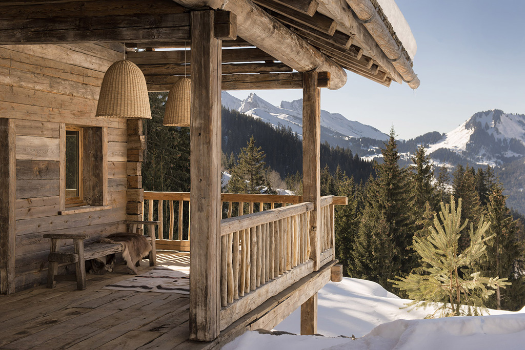 a-rustic-chic-home-in-the-french-alps-1.jpg