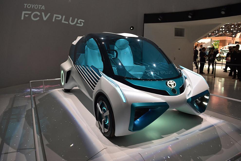 10. Хонда показала новый серийный автомобиль на водородных топливных элементах — седан Clarity Fuel