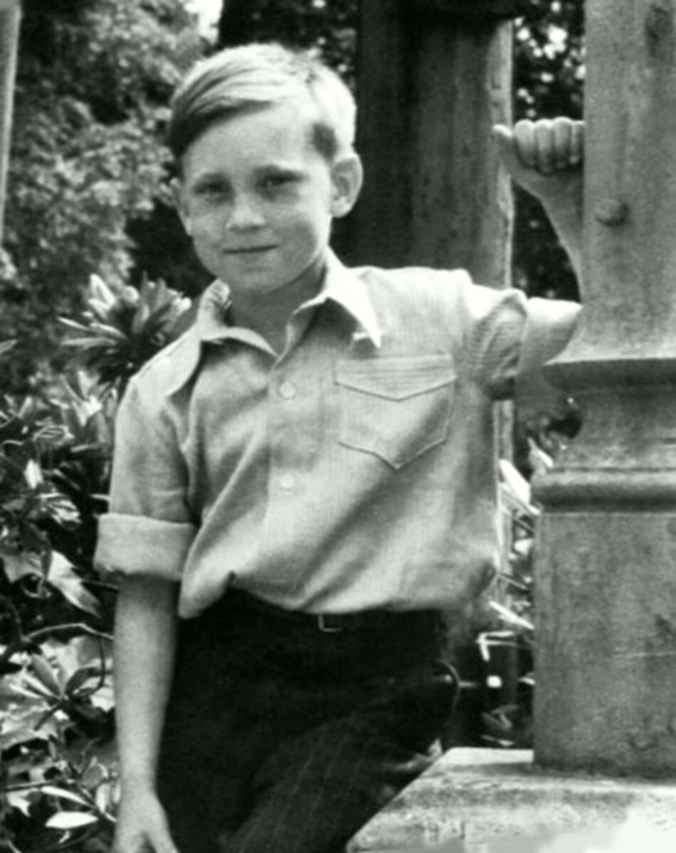 1948. Володя Высоцкий в детском санатории г.Бад-Эльстер, Германия. Май-июнь