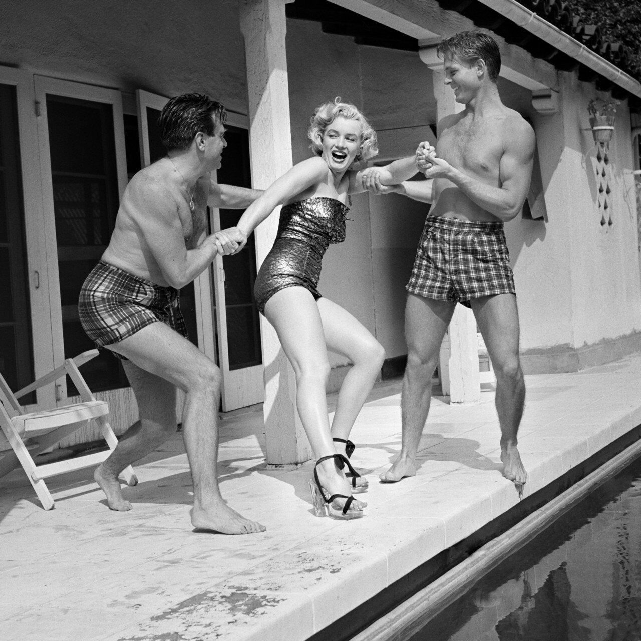 Marilyn And Friends At The Pool