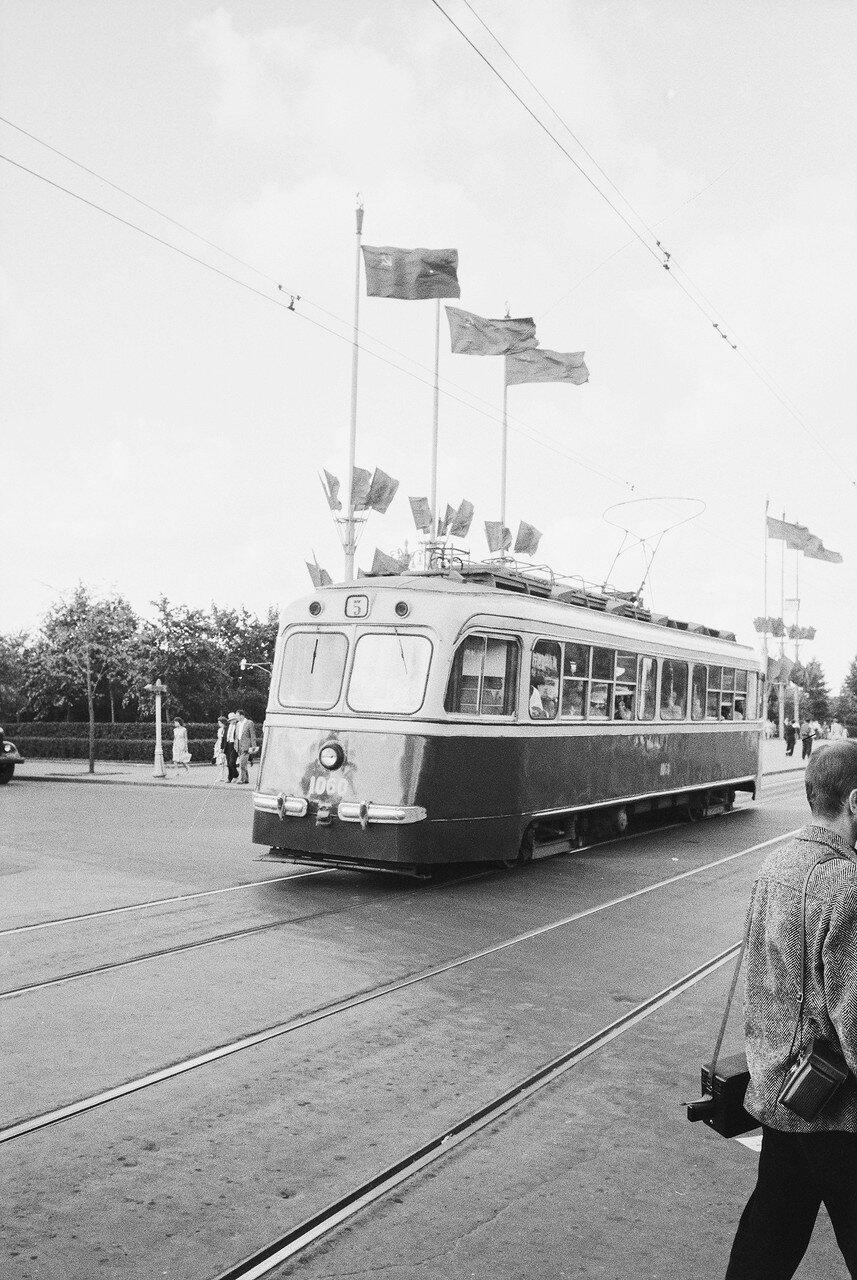 Трамвай М-38 №1060 на маршруте №5