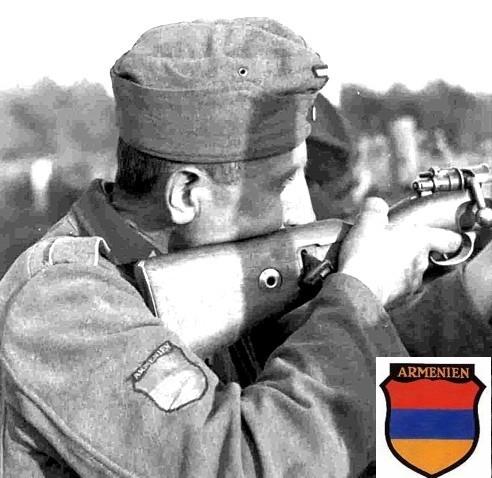 Гауптман Гиви Габрилиани пишет отчет в Берлин. 1945 г. arm1.jpg