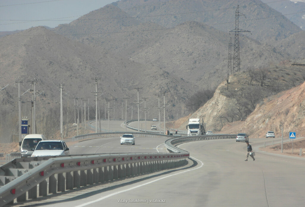 Пешеходный переход на перевале Камчик
