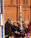 А.И.Борисенко запускает модель ракеты школьника