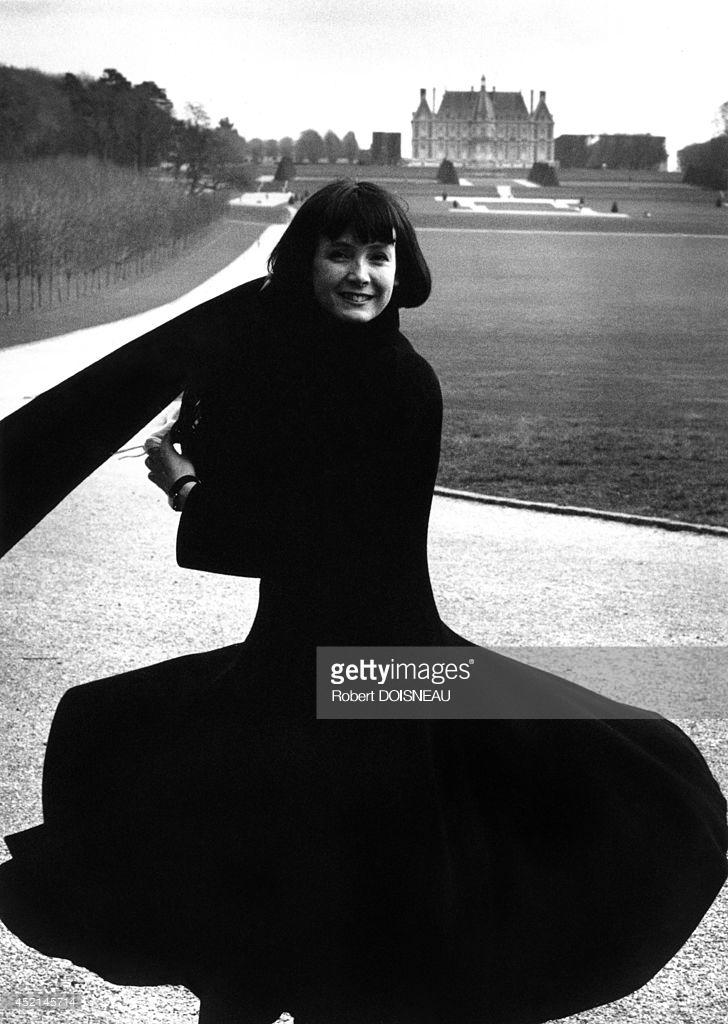 1989. Французская актриса Сабина Азема в парке Со, 01 марта