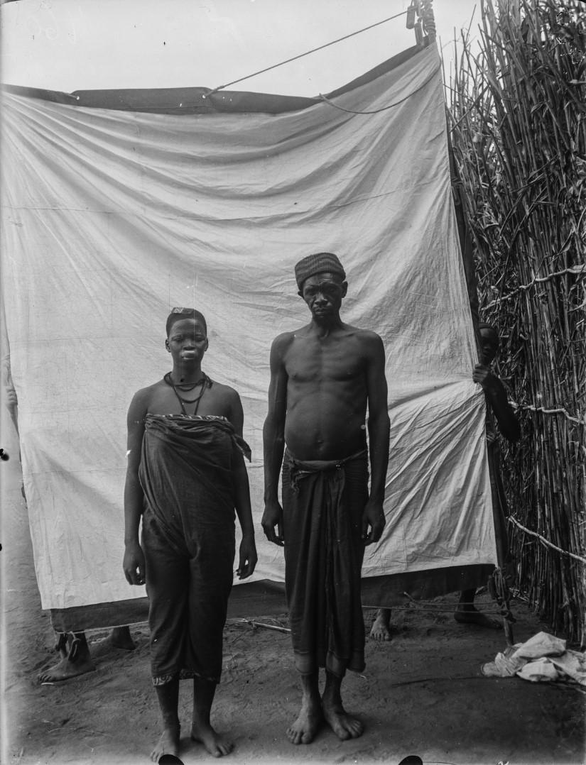 47. Антропометрическое изображение мужчина маконде и его жены